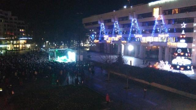 Коледен концерт на Веселин Маринов в Русе - на живо от площад