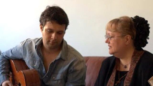 Разтърсващо! Вижте с коя песен се сбогува с майка си синът на Ваня Костова - Боян ( ВИДЕО)