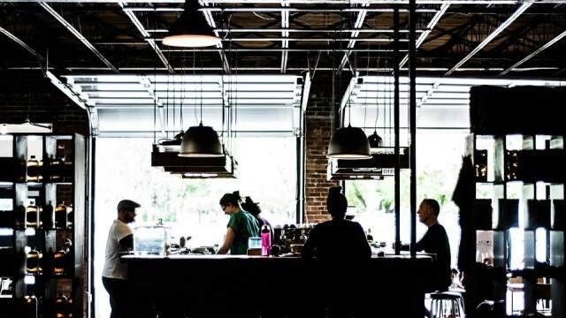 Собствениците на ресторанти: Абсолютно неприемливо е каквото и да е затягане на мерки, свързано със заведенията!
