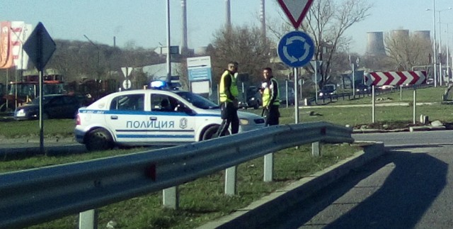 Строги мерки: МВР поставя КПП-та на вход и изход на областните градове