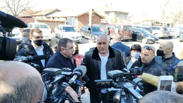 Борисов: Бизнесът работи, учениците посещават класните занимания и предстои отварянето на ресторантите