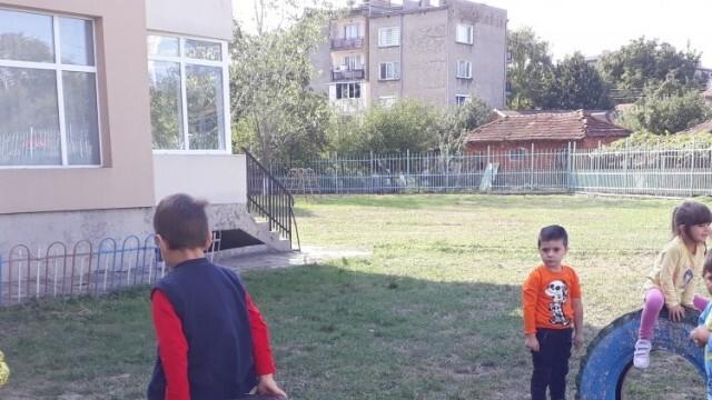 """""""Каолин"""" дарява модерна площадка на децата в Глоджево"""