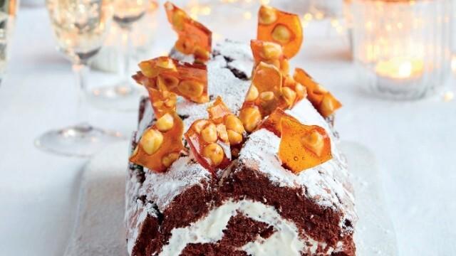Перфектният празничен десерт - руло с шоколад и лешници