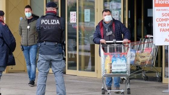 Италианците гладни, нападат магазини  в Сицилия