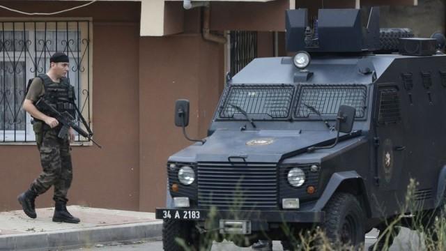 Истанбул: Крайно леви извършили самоубийствената атака срещу полицейския бус