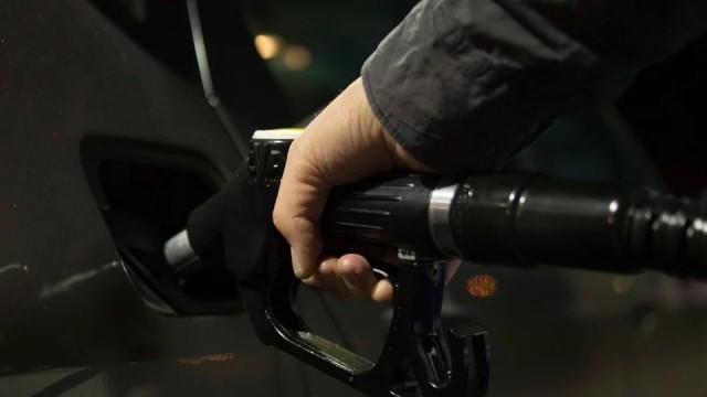 Шофьорите на камиони и автобуси на алтернативно гориво могат да си възстановят половината суми от платените тол такси