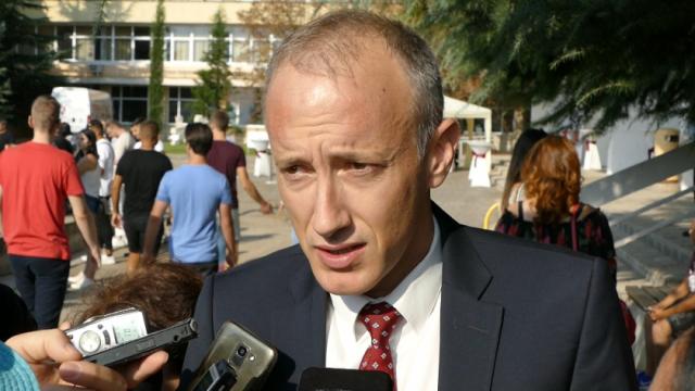 Красимир Вълчев: При 200 заразени на ден, сред тях 10-15 ще са учители и ученици