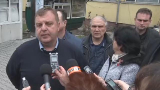 Каракачанов на място в Плевен: Има рисков контингент в града - чуждестранни работници от Италия