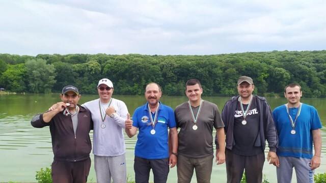 Благотворителен турнир по фидер риболов събра средства за лечението на малката Яница