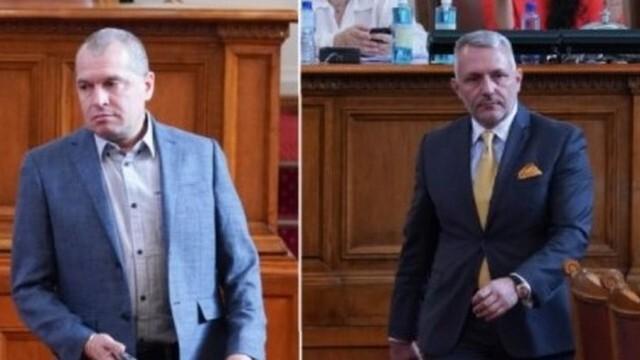 Двама депутати бяха спипани без маски в парламента, ще отнесат глоби