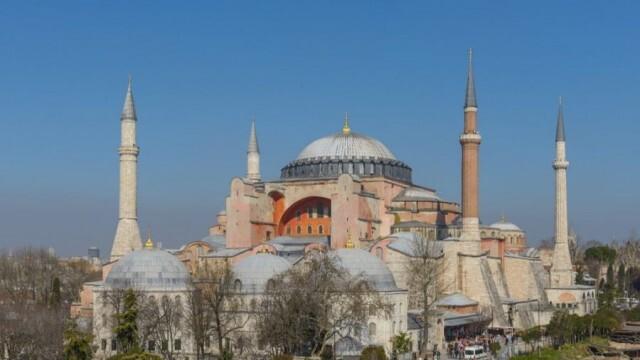 """Турският съд разреши промяната на статута на """"Света София"""""""