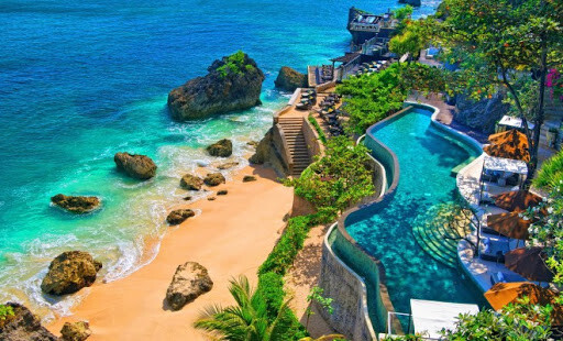 Жалко. Бали спира да приема чуждестранни туристи