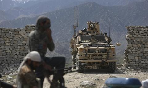 """САЩ остават в Сирия и след """"Ислямска държава"""", ще спъват Асад"""