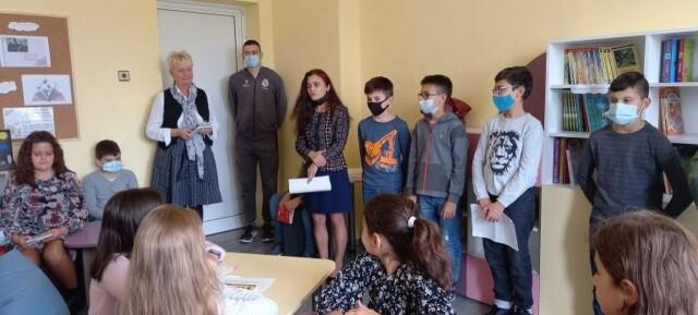 "ОУ ""Валери Петров"" – Плевен откри своя училищна библиотека"
