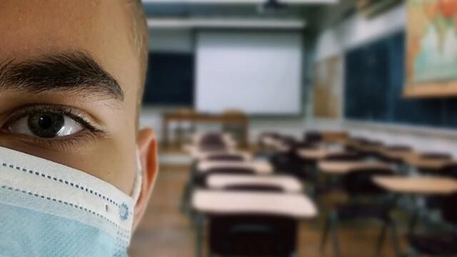 Учениците с маски и в час?