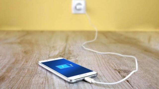ЕК предлага стандартно зарядно за електронните устройства
