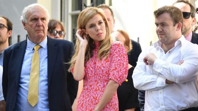 Младо гадже топли сърцето на новия британски премиер