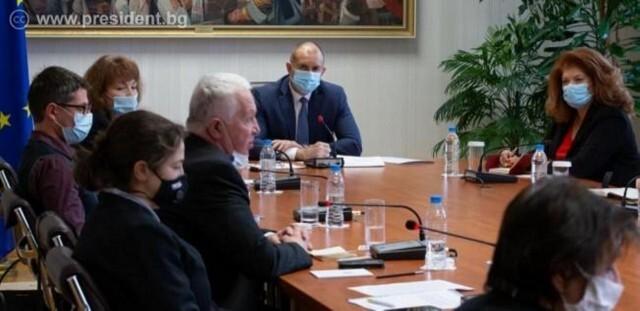 Консултациите при президента продължават: Провеждането на избори по време на пандемия е възможно