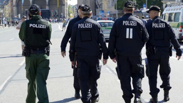 Мъж наръга с нож петима в центъра на Мюнхен, успя да избяга