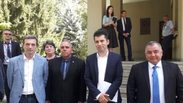 Кирил Петков поиска оставките на 4-ма от управата на ВМЗ-Сопот  - заводът има 6 млн. лв. загуби