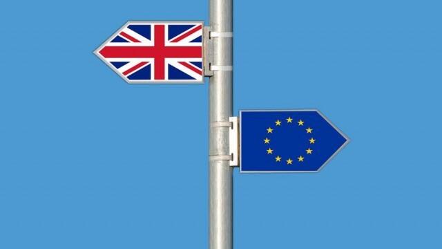Великобритания плаща на граждани на ЕС, за да се избави от тях?
