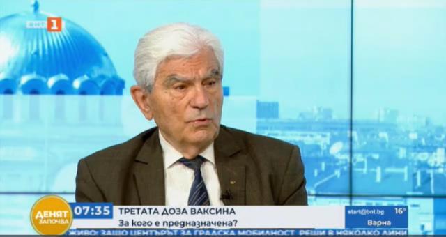 Акад. Петрунов: Не трябва да се бърза с поставянето на третата доза ваксина