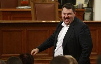 Богатството на  Пеевски все така необяснимо скромно, Бареков е най-богатият политик у нас