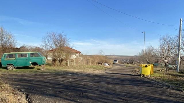 Община Русе ремонтира пътна настилка в с. Басарбово