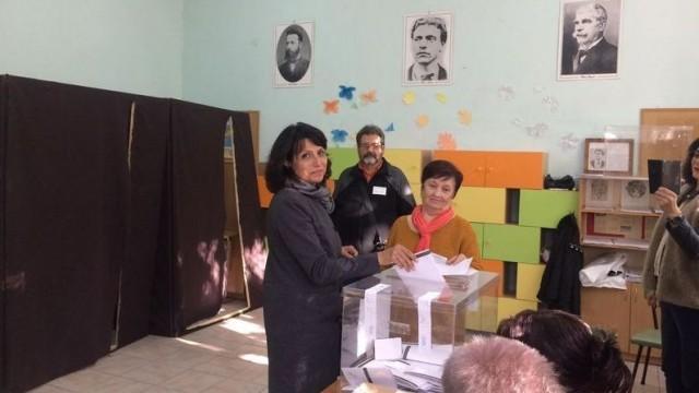 Диана Иванова: Гласувах за чист, подреден и уютен град, чака ни много работа за Русе