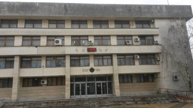 Плевен: Обвиняема за грабеж отива на съд