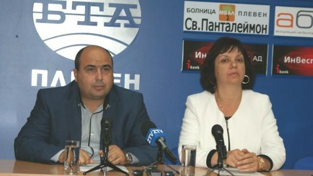Владислав Николов и Ралица Добрева призоваха плевенчани да гласуват на балотажа, защото изборът ще е между ляво и дясно