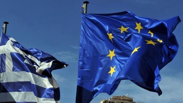 Референдумът в Гърция започна