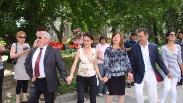 Кръшни хора в Плевен в Деня на славянската писменост