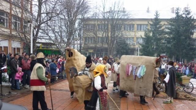 """В Тръстеник представят обичая """"Кьорава кобила"""""""