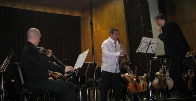 Илия Илиев (Професора) с невероятен концерт на сцена с Плевенската филхармония
