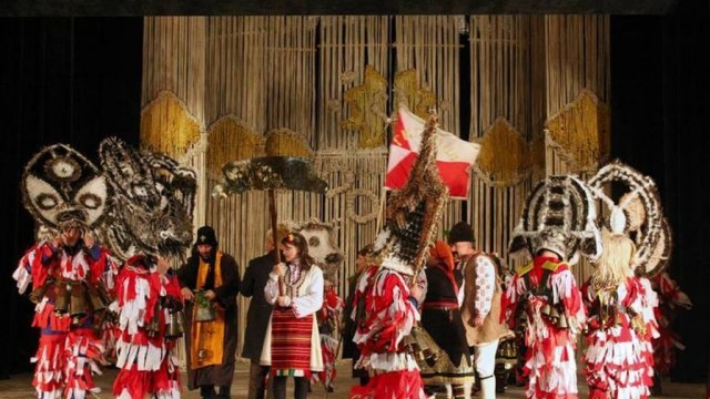 Кукерски празник събра почитатели на фолклора в Червен бряг