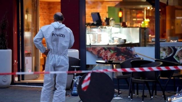 Вижте как арестуваха сириеца, убил жена с мачете в Германия