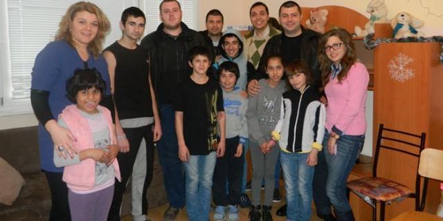 "Плевен: Младежи ГЕРБ стартират инициатива ""Дари внимание на всяко дете"""