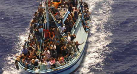 Другите от ЕС си правят оглушки за 40-те хиляди бежанци в Италия и Гърция
