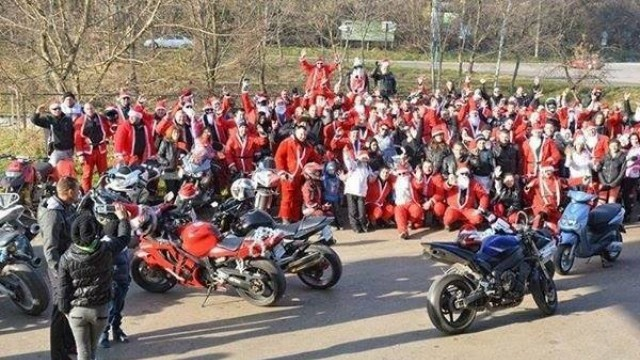Плевенските мотористи с благотворителна акция за Коледа