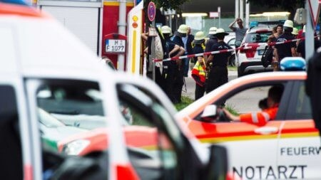 ИЗВЪНРЕДНО: Терористи откриха стрелба в град Мюнхен, има убити и ранени /ВИДЕО/
