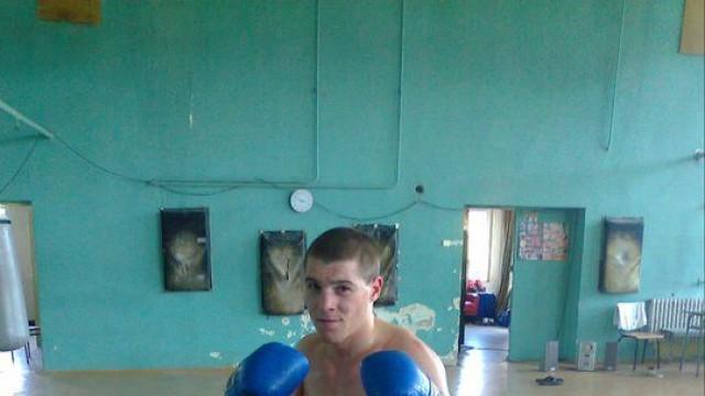 """Русенец боксира на """"Златен гонг"""" в Скопие"""