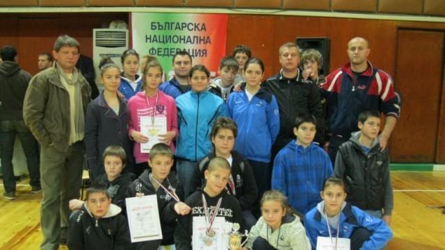 """Отлично представяне на каратеките на """"Петромакс"""" в национално и международно състезание"""