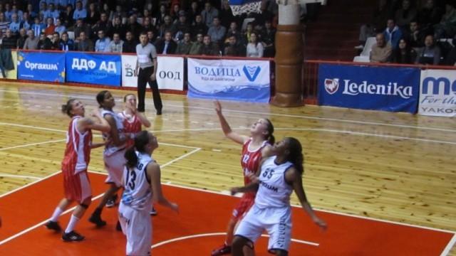 """Русе: Баскетболистките на """"Дунав 8806"""" продължават да мачкат – 83:56 срещу """"Левски"""""""