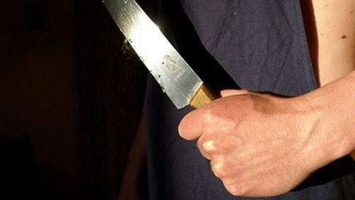 Двама българи на 19 и 21 арестувани за убийство на мъж в Гърция, проболи го с нож 57 пъти