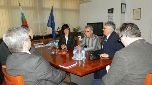 Изграждането на трети мост над Дунав обсъждаха на среща в Плевен