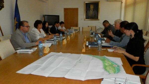 Делегация от румънския град Калафат на среща с губернатора на Плевен
