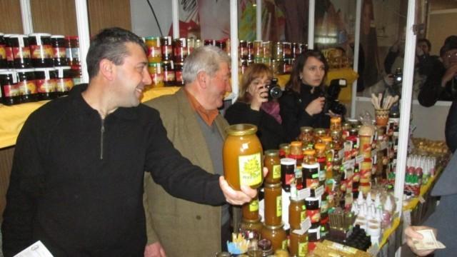 """Плевен: Готова е програмата за """"Пчеларство 2016"""""""