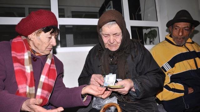 Кабинетът реши: По 40 лева за Коледа за хората с пенсии до 300 лева
