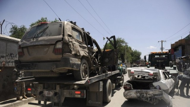 Кабул: Камикадзе нападна чуждестранни военни, уби и рани жени и деца